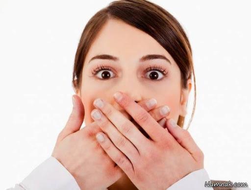 بوی بد دهان از چیست و چگونه درمان میشود؟