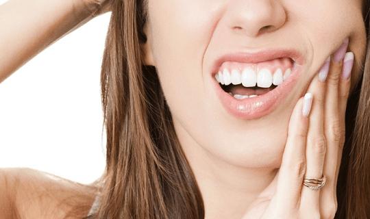 دلایل درد دندان و گزینه های درمانی